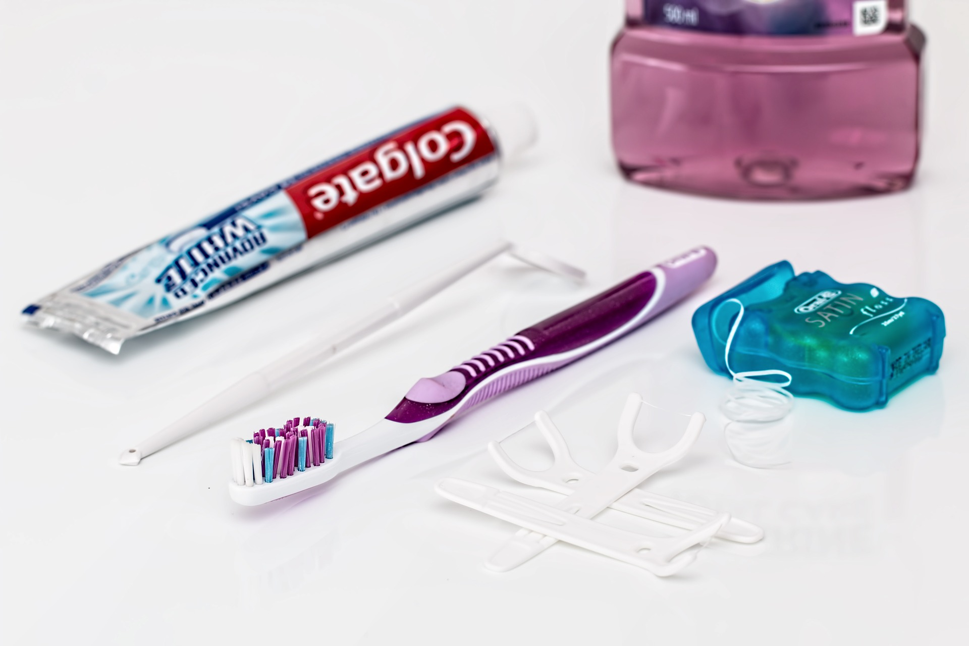 dental care tools - benefits of flossing